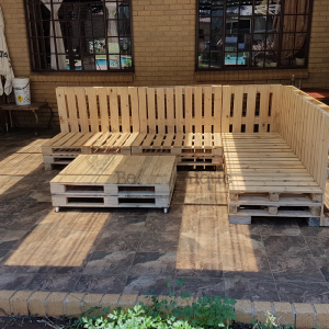 pallet furniture couch, pallet couch, reclaimed pallet couch, pallet couch 1 patio set Johannesburg 3, Pallet patio set